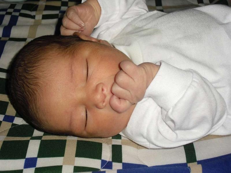 4个月宝宝正常体温是多少宝宝怎么正确降温