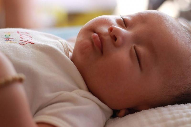 宝宝多大可以自己睡觉让宝宝自己睡的方法有哪些