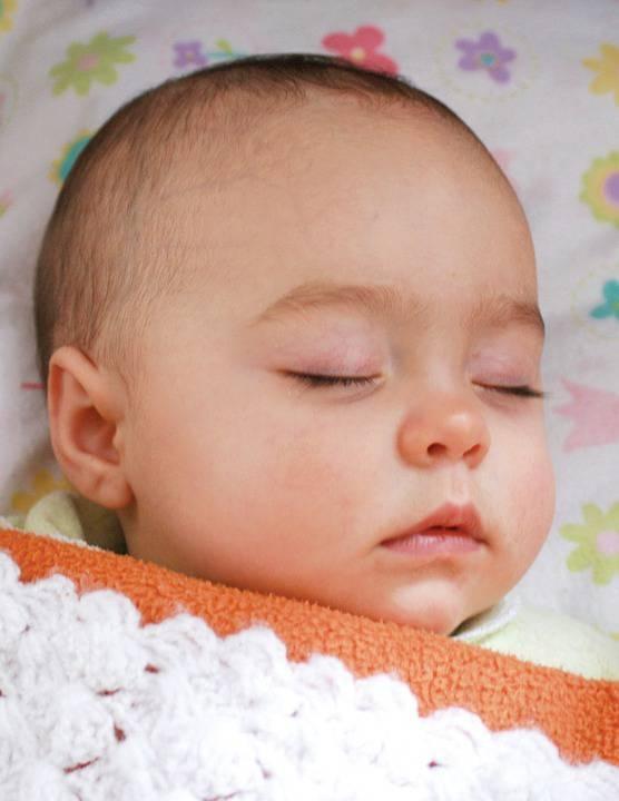 宝宝睡觉都会出汗吗宝宝睡觉出汗是什么原因导致